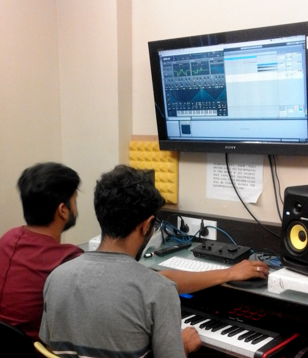 Degree in Sound & Audio Production Schools of Engineering Courses, dj
