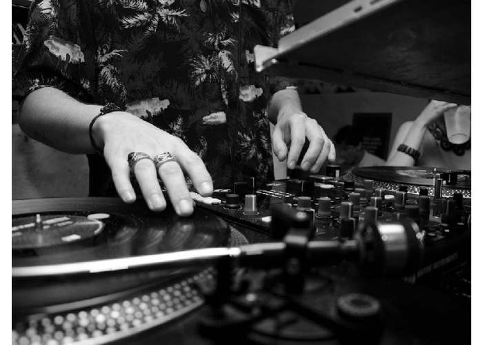 History And Evolution of DJing